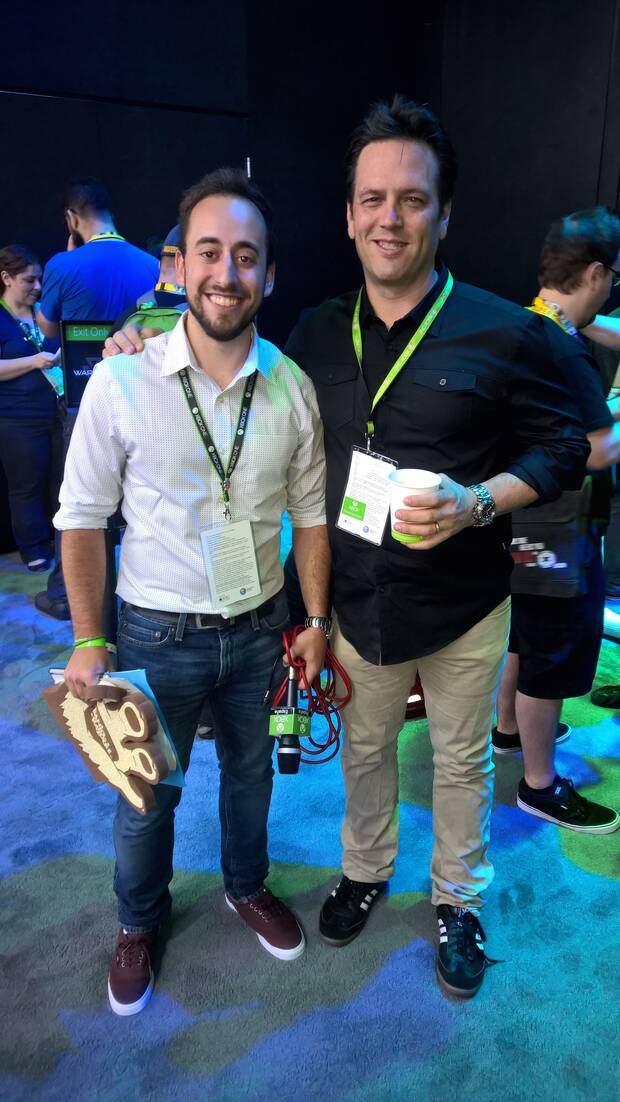Con Phil Spencer en el E3 de 2015.