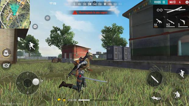La variedad de armas de 'Garena Free Fire' incluye desde katanas hasta escopetas, pasando por explosivos. Todos mejorables, pero también con límites de uso entre partidas.
