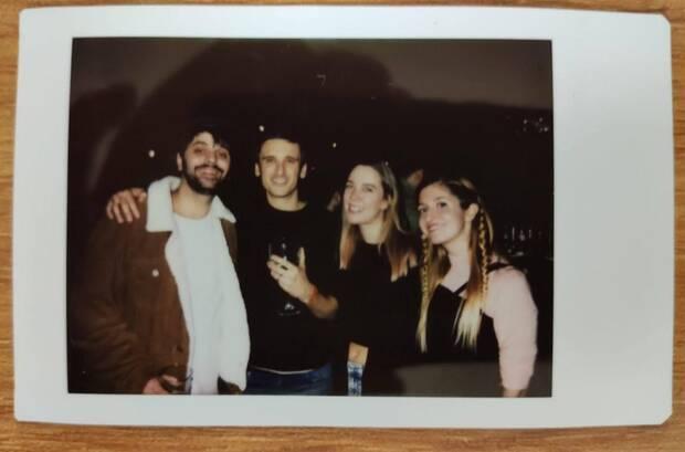 En los Indie Burger Awards de 2019 del Fun & Serious. De izquierda a derecha: Juan de la Torre, David Jaumandreu (Undercoders), Valeria Castro (Platonic Games y presidenta de DEV) y Marina Amores.