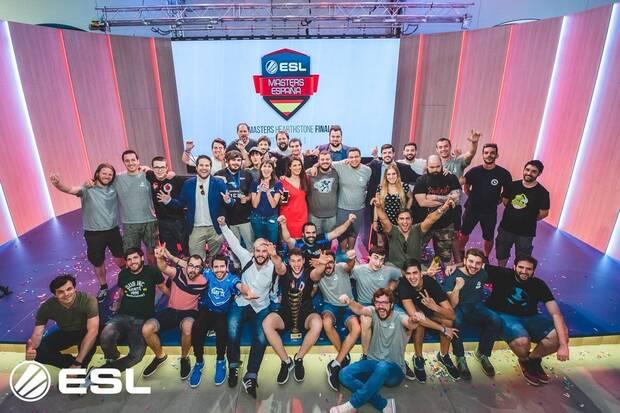 El equipo de ESL fue creciendo a
