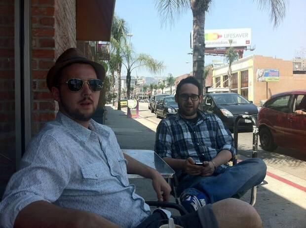 Robles con Juan Puig, redactor de Eurogamer, en el E3 de 2012.