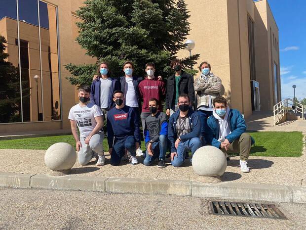 El equipo de programadores de Ishtar Studios estudia el m