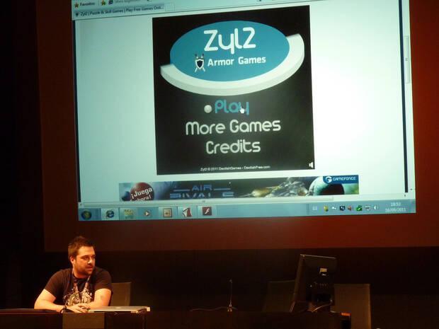 David Ferriz hablando de juegos Flash en AZ Playh.