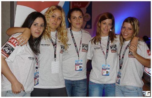 De izquierda a derecha: 'Lena', 'MiriaM', 'aNouK', 'iReNuKa' y 'Bady'.