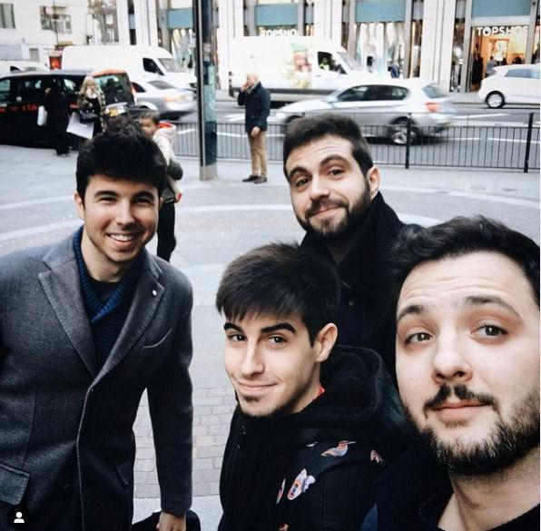 Robles con Willyrex, Vegetta777 y Alexby en Londres en 2015.